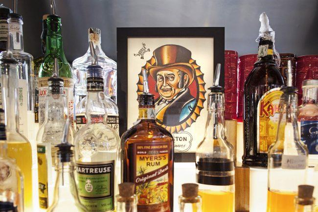 cocktailbar portofluviale bottiglie