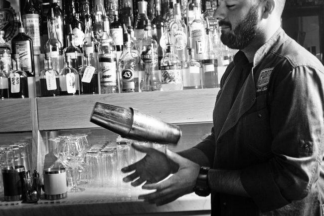miscelazione barman cocktailbar portofluviale