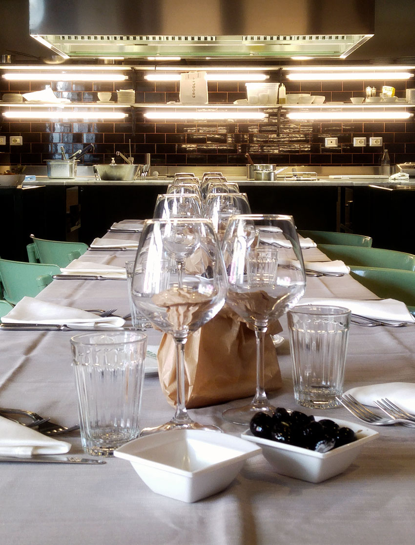 Sala Con Cucina A Vista. Cool Cucina Su Misura Con Zona Pranzo E ...